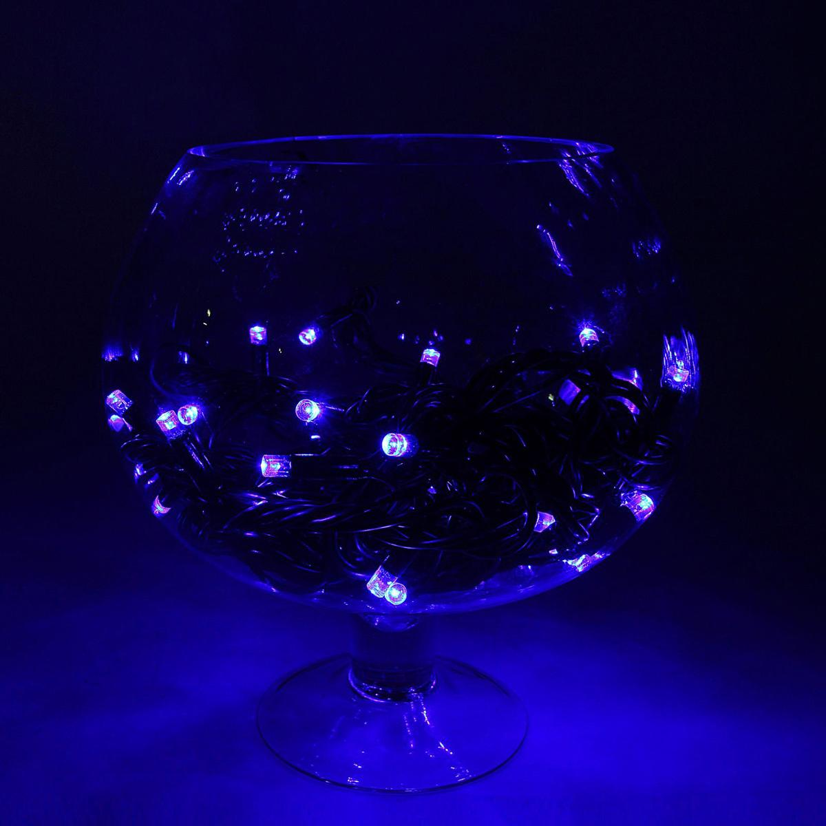 Гирлянда светодиодная Luazon Метраж. Каучук, уличная, 100 ламп, 220 V, 10 м, цвет: синий. 10806311080631Светодиодные гирлянды, ленты и т.д. — это отличный вариант для новогоднего оформления интерьера или фасада. С их помощью помещение любого размера можно превратить в праздничный зал, а внешние элементы зданий, украшенные ими, мгновенно станут напоминать очертания сказочного дворца. Такие украшения создают ауру предвкушения чуда. Деревья, фасады, витрины, окна и арки будто специально созданы, чтобы вы украсили их светящимися нитями.
