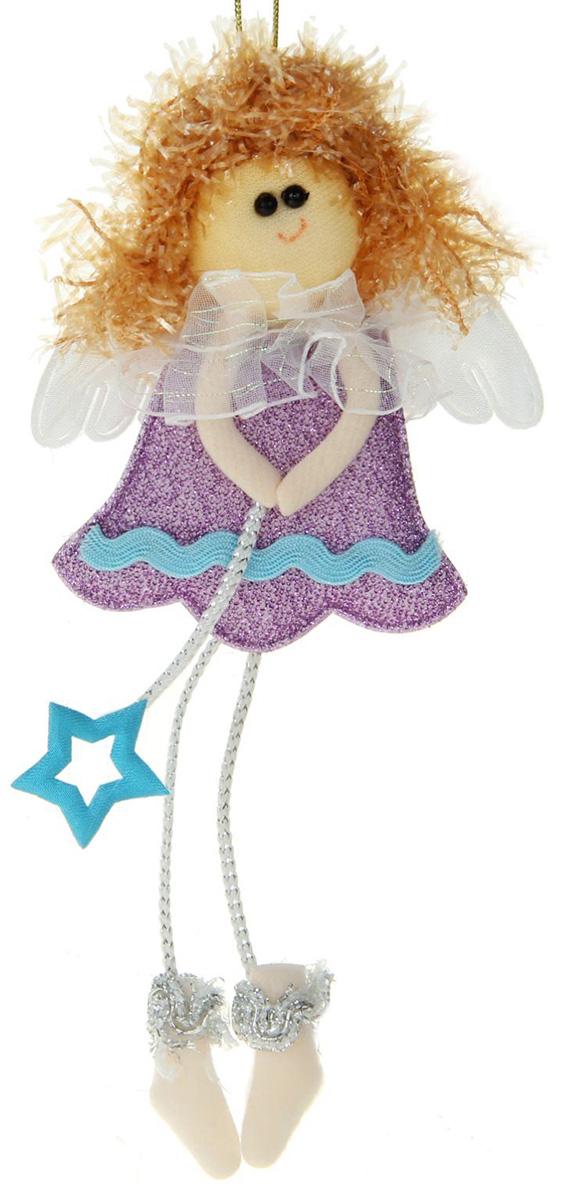 Новогоднее подвесное украшение Фея со звездочкой. Фиолетовое платье1381175Новогоднее украшение ручной работы отлично подойдет для декорации вашего дома и новогодней ели. С помощью специальной петельки украшение можно повесить в любом понравившемся вам месте. Но, конечно, удачнее всего оно будет смотреться на праздничной елке.Елочная игрушка - символ Нового года. Она несет в себе волшебство и красоту праздника. Такое украшение создаст в вашем доме атмосферу праздника, веселья и радости.