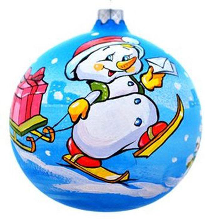 Украшение новогоднее подвесное Клавдиево Снеговик почтальон, ручная работа, диаметр 10 смH-100-0001-S-Снеговик почтальонНовогоднее украшение Снеговик почтальон ручной работы, выполненное из стекла, отлично подойдет для декорации вашего дома и новогодней ели. С помощью специальной петельки украшение можно повесить в любом понравившемся вам месте. Но, конечно, удачнее всего оно будет смотреться на праздничной елке.Елочная игрушка - символ Нового года. Она несет в себе волшебство и красоту праздника. Такое украшение создаст в вашем доме атмосферу праздника, веселья и радости.