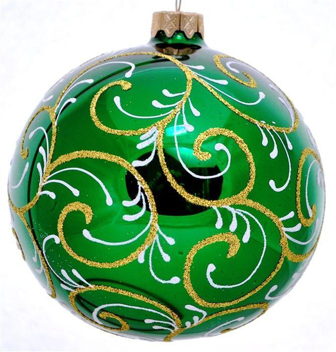 Украшение новогоднее подвесное Узор новогодний на зеленом, ручная работа, диаметр 10 смH-100-31120-S-Узор новогодний на зелёномНовогоднее украшение Узор новогодний на зеленом ручной работы, выполненное из стекла, отлично подойдет для декорации вашего дома и новогодней ели. С помощью специальной петельки украшение можно повесить в любом понравившемся вам месте. Но, конечно, удачнее всего оно будет смотреться на праздничной елке.Елочная игрушка - символ Нового года. Она несет в себе волшебство и красоту праздника. Такое украшение создаст в вашем доме атмосферу праздника, веселья и радости.