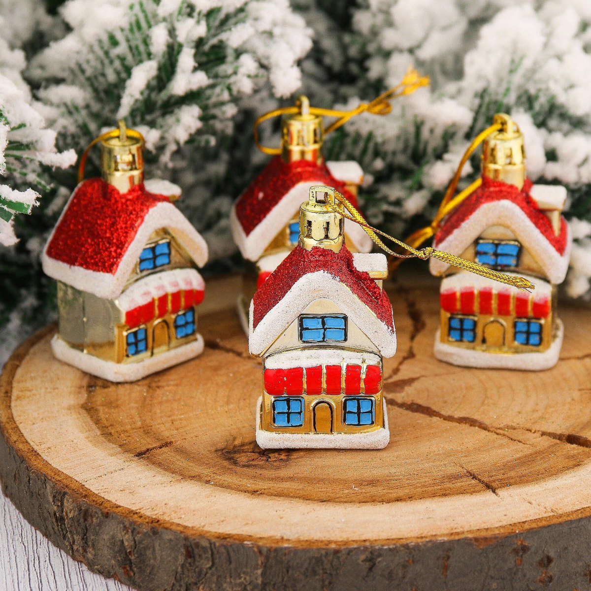 Набор новогодних подвесных украшений Домики, 5 х 3,5 см, 4 шт2123087Набор новогодних подвесных украшений отлично подойдет для декорации вашего дома и новогодней ели. С помощью специальной петельки украшение можно повесить в любом понравившемся вам месте. Но, конечно, удачнее всего оно будет смотреться на праздничной елке.Елочная игрушка - символ Нового года. Она несет в себе волшебство и красоту праздника. Такое украшение создаст в вашем доме атмосферу праздника, веселья и радости.