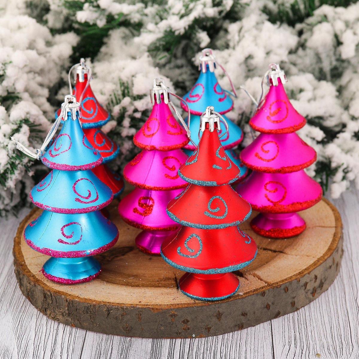 Набор новогодних подвесных украшений Елочки, завитки, 9 х 5 см, 6 шт2123103Набор новогодних подвесных украшений отлично подойдет для декорации вашего дома и новогодней ели. С помощью специальной петельки украшение можно повесить в любом понравившемся вам месте. Но, конечно, удачнее всего оно будет смотреться на праздничной елке.Елочная игрушка - символ Нового года. Она несет в себе волшебство и красоту праздника. Такое украшение создаст в вашем доме атмосферу праздника, веселья и радости.