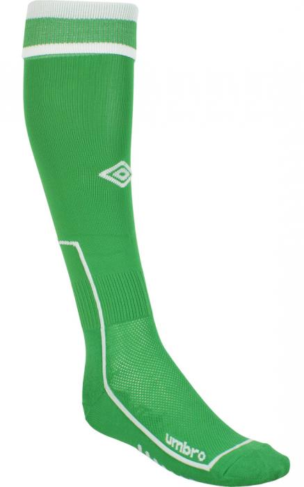 Гетры футбольные детские Umbro MenS Socks, цвет: зеленый, белый. 140114. Размер Junior (универсальный)140114Базовая модель футбольных гетр с эргономичной конструкцией носка. Модель выполнена из высококачественного эластичного материала. Особая вывязка на задней части гетр способствует выведению влаги. Оформлены логотипом бренда.