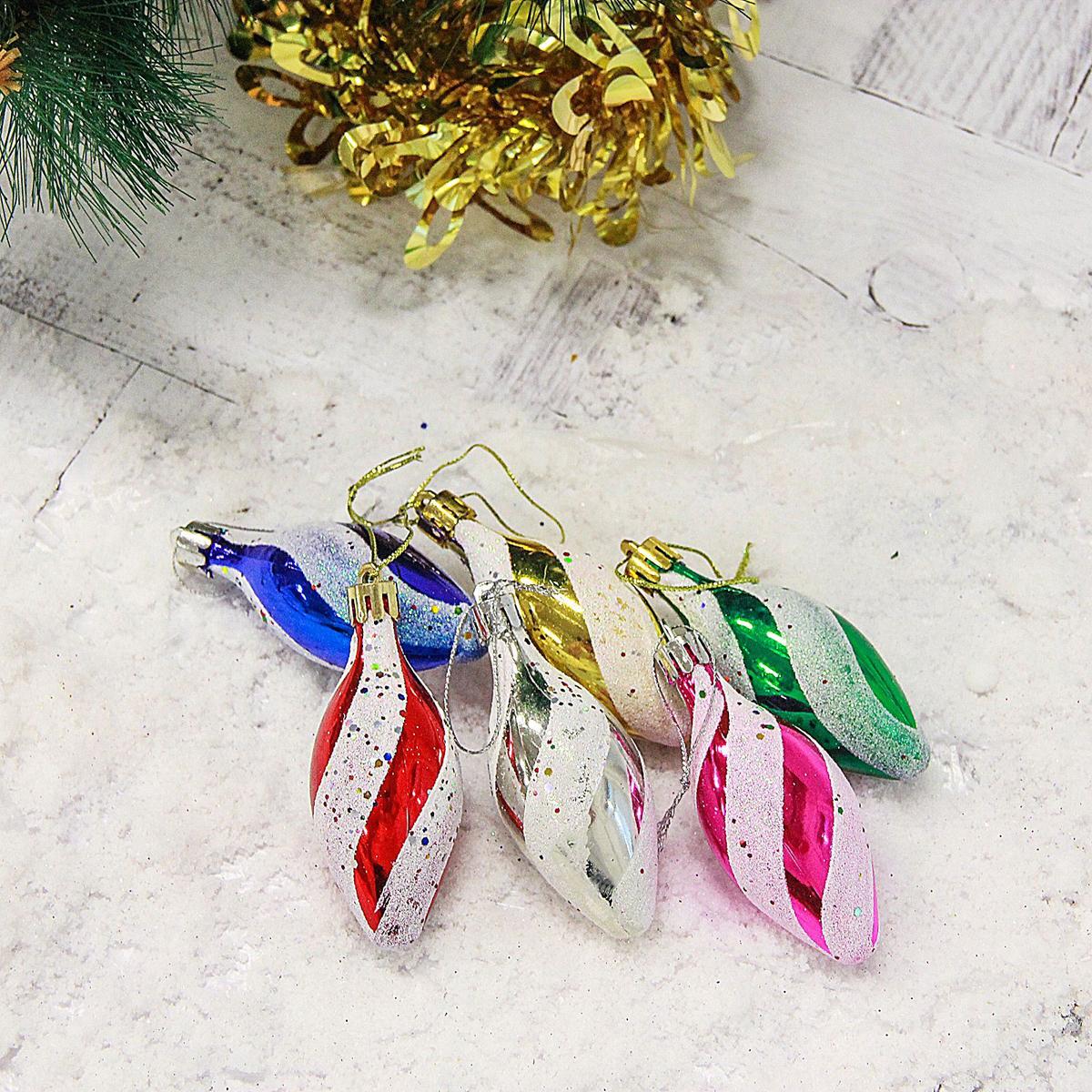 Набор новогодних подвесных украшений Сосульки, 7 х 3 см, 6 шт2178128Набор новогодних подвесных украшений отлично подойдет для декорации вашего дома и новогодней ели. С помощью специальной петельки украшение можно повесить в любом понравившемся вам месте. Но, конечно, удачнее всего оно будет смотреться на праздничной елке.Елочная игрушка - символ Нового года. Она несет в себе волшебство и красоту праздника. Такое украшение создаст в вашем доме атмосферу праздника, веселья и радости.