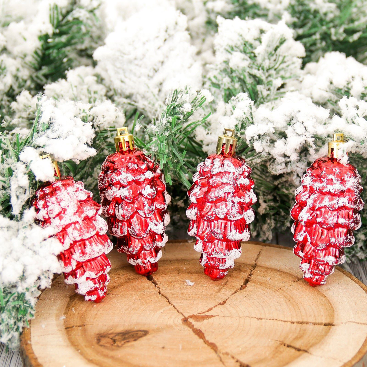 Набор новогодних подвесных украшений Шишки. Снег, высота 9 см, 4 шт2155324Набор новогодних подвесных украшений отлично подойдет для декорации вашего дома и новогодней ели. С помощью специальной петельки украшение можно повесить в любом понравившемся вам месте. Но, конечно, удачнее всего оно будет смотреться на праздничной елке.Елочная игрушка - символ Нового года. Она несет в себе волшебство и красоту праздника. Такое украшение создаст в вашем доме атмосферу праздника, веселья и радости.