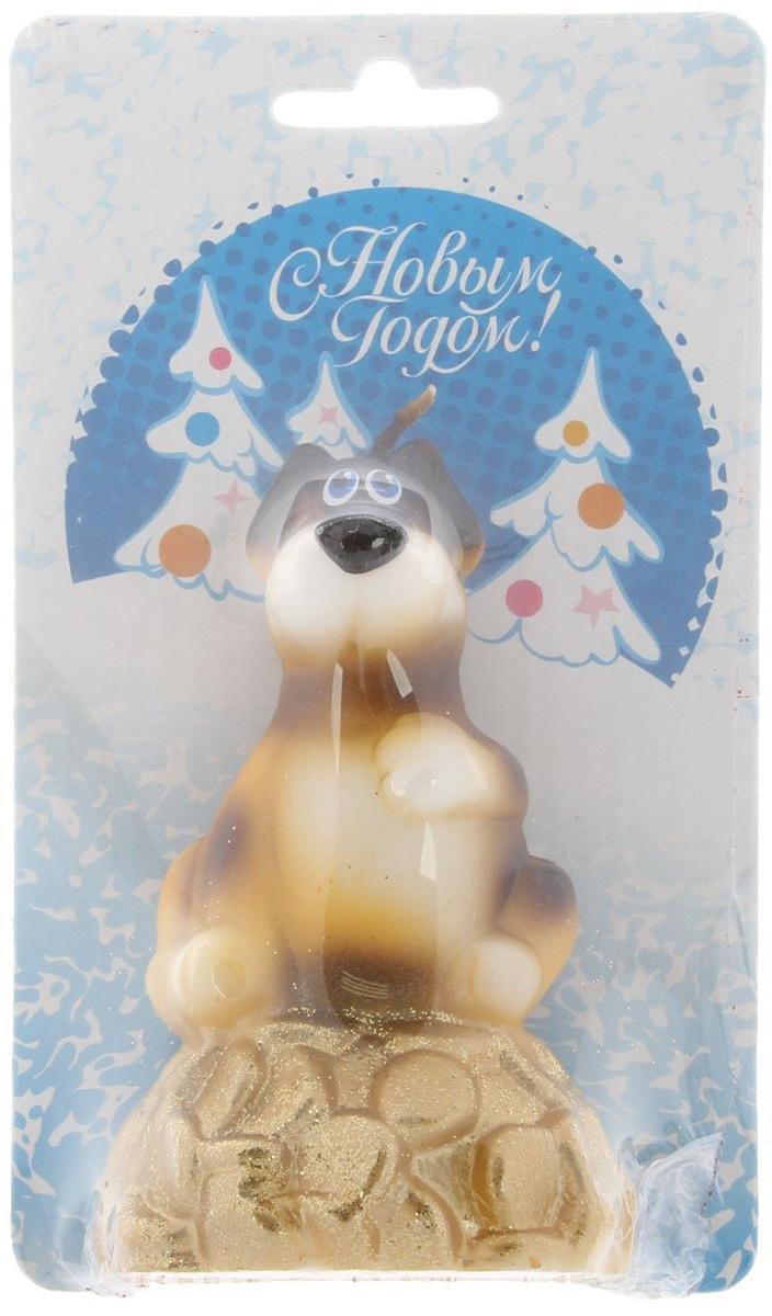 Свеча декоративная Омский свечной завод Денежная собака, цвет: голубой, высота 8,5 см2563623Невозможно представить нашу жизнь без праздников! Мы всегда ждем их и предвкушаем, обдумываем, как проведем памятный день, тщательно выбираем подарки и аксессуары, ведь именно они создают и поддерживают торжественный настрой - это отличный выбор, который привнесет атмосферу праздника в ваш дом!Какой новогодний стол без свечей? Вместе с мандаринами, шампанским и еловыми ветвями они создадут сказочную атмосферу, а их притягательное пламя подарит ощущение уюта и тепла.А еще это отличная идея для подарка! Оградит от невзгод и поможет во всех начинаниях в будущем году.Пусть удача сопутствует вам и вашим близким!Каждому хозяину периодически приходит мысль обновить свою квартиру, сделать ремонт, перестановку или кардинально поменять внешний вид каждой комнаты. Привлекательная деталь, которая поможет воплотить вашу интерьерную идею, создать неповторимую атмосферу в вашем доме. Окружите себя приятными мелочами, пусть они радуют глаз и дарят гармонию.