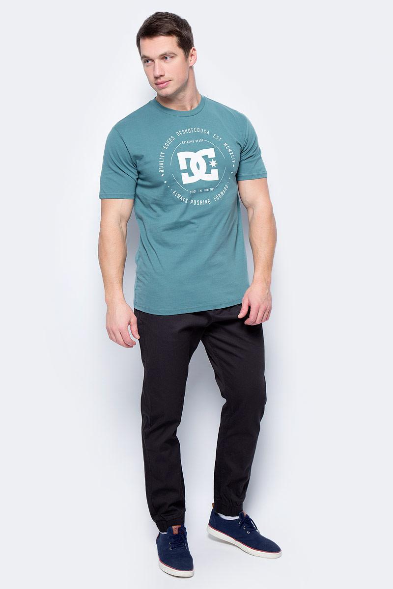 Футболка мужская DC Shoes, цвет: зеленый. EDYZT03504-BPF0. Размер XXL (54/56) dc shoes dc329ewpfh67 dc shoes