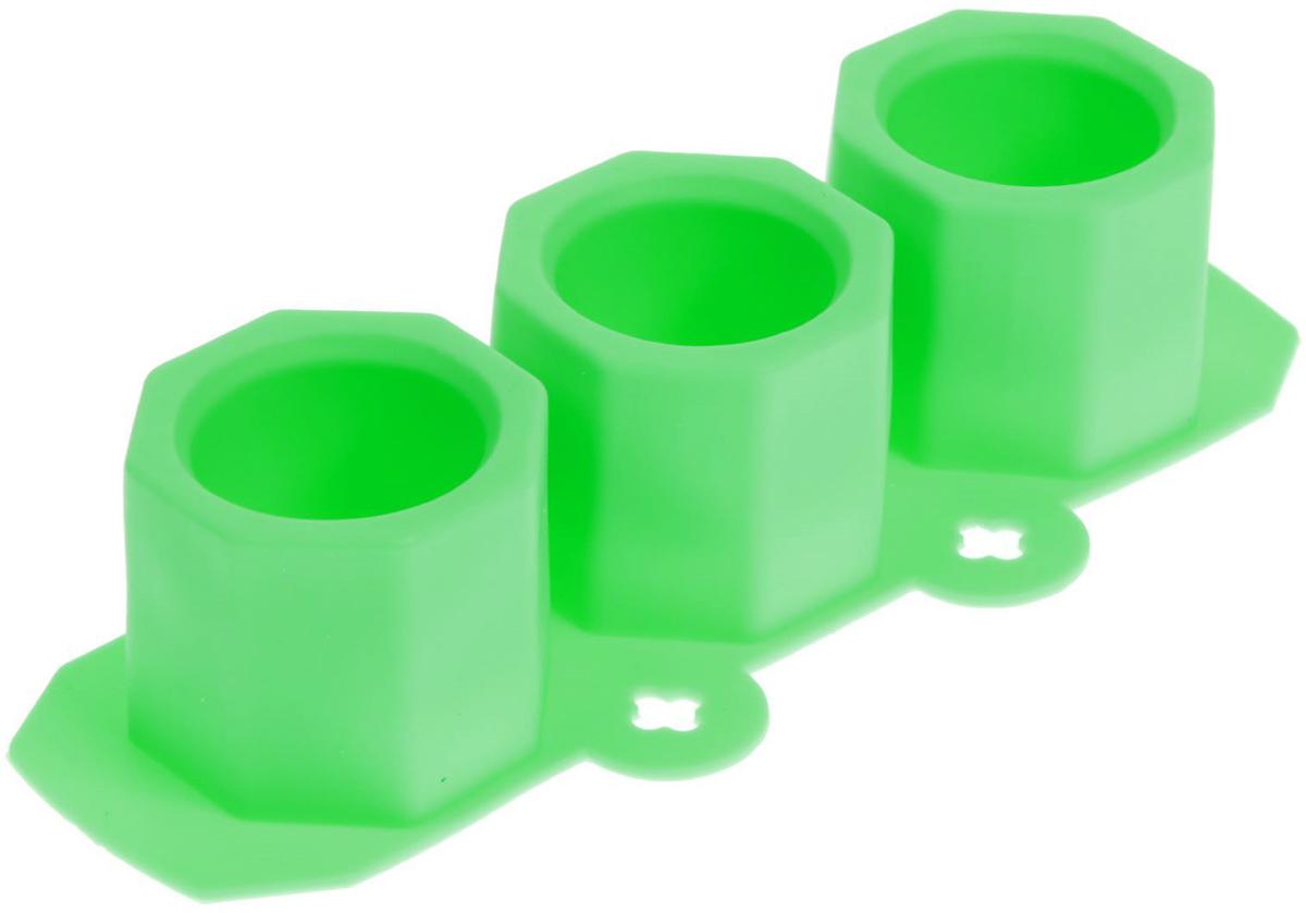 Форма для льда и шоколада Доляна Стопка, цвет: зеленый, 22 х 9 см, 3 ячейки861103_зеленыйФигурная форма для льда и шоколада Доляна Стопка выполнена из пищевого силикона, который не впитывает запахов, отличается прочностью и долговечностью. Материал полностью безопасен для продуктов питания. Кроме того, силикон выдерживает температуру от -40°С до +250°С. Благодаря гибкости материала готовый продукт легко вынимается. С помощью такой формы можно приготовить оригинальные конфеты и фигурный лед. Приготовить миниатюрные украшения гораздо проще, чем кажется. Наполните силиконовую емкость расплавленным шоколадом, мастикой или водой и поместите в морозильную камеру. Вскоре у вас будут оригинальные фигурки, которые сделают запоминающимся любой праздничный стол! Форма легко отмывается, в том числе в посудомоечной машине.