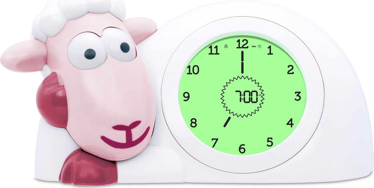 Настольные часы ZAZU научат детей вовремя ложиться спать и просыпаться. Глаза ягненка Сэма закрываются на время сна и открываются утром, когда  приходит время просыпаться. LCD-экран изменяет цвет в зависимости от времени суток. Аналоговые и цифровые часы на циферблате, чтобы детям было  легко научиться понимать время.  В часах есть будильник. Вы можете выбрать три звука звонка с  регулируемой громкостью. Яркость света ночника можно регулировать. Также он может гореть всю  ночь или автоматически выключаться через 5, 15, 30 минут.