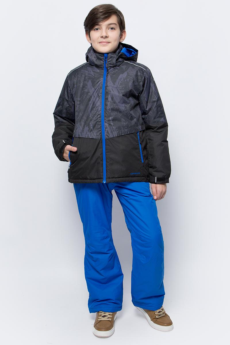 Комплект для мальчика Icepeak: куртка, брюки, цвет: серый, синий. 852131522IV_290. Размер 164852131522IV_290Комплект для мальчика Icepeak, состоящий из куртки и брюк на лямках, выполнен из 100% полиэстера. Материал изготовлен при помощи технологии Icemax, которая обеспечит вашему ребенку надежную защиту от ветра и влаги. Все швы куртки и брюк проклеены, для обеспечения дополнительной защиты от непогоды. В качестве подкладки также используется полиэстер. Утеплителем служит материал FinnWad, который обладает высокими теплоизоляционными свойствами. Куртка с воротником-стойкой и съемным капюшоном застегивается на застежку- молнию с защитой для подбородка и ветрозащитной планкой на липучках и кнопках. Капюшон пристегивается к изделию за счет кнопок. Низ изделия дополнен эластичными вставками, а низ рукавов - хлястиками на липучках. Спереди расположены два прорезных кармана на застежках- молниях. Куртка оформлена оригинальным принтом. Брюки на пуговице в поясе имеют ширинку на застежке-молнии. Модель оснащена эластичными наплечными лямками, регулируемыми по длине. Пояс, имеющий по бокам эластичные вставки, оснащен шлевками для ремня. Комплект оснащен светоотражающими элементами для дополнительной безопасности ребенка.