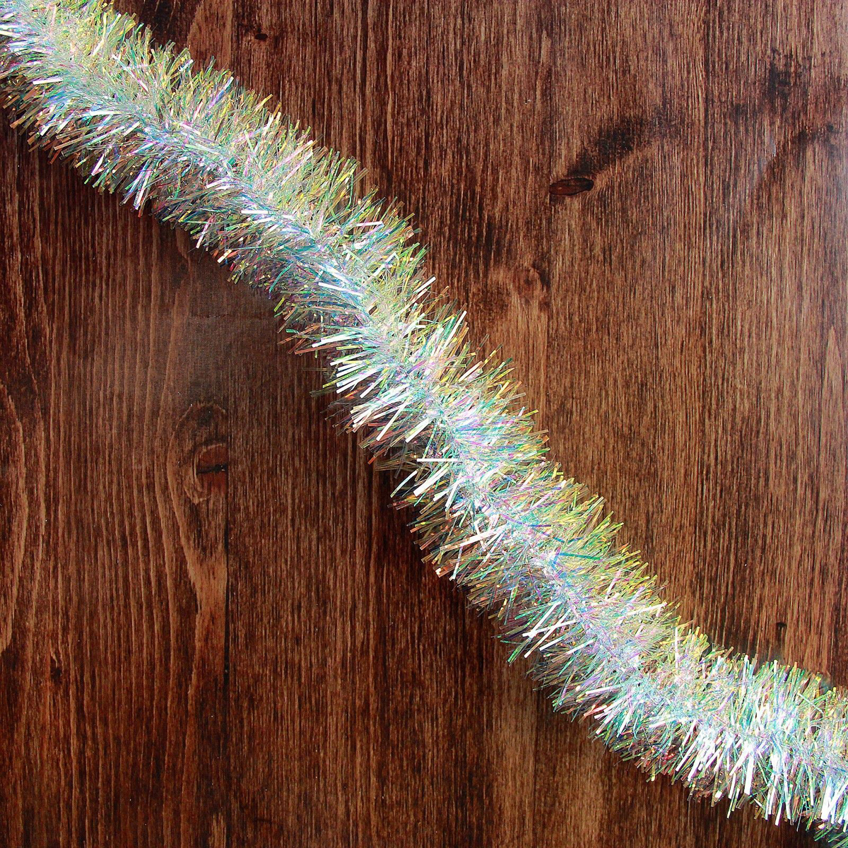 Мишура новогодняя Перламутровая, диаметр 6,5 см, длина 200 см2363868Новогодняя мишура, выполненная из ПВХ, поможет вам украсить свой дом к предстоящим праздникам. Новогодняя елка с таким украшением станет еще наряднее. Новогодней мишурой можно украсить все, что угодно - елку, квартиру, дачу, офис - как внутри, так и снаружи. Можно сложить новогодние поздравления, буквы и цифры, мишурой можно украсить и дополнить гирлянды, можно выделить дверные колонны, оплести дверные проемы.