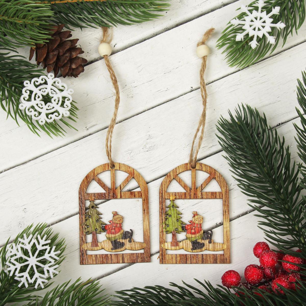 Подвеска новогодняя Снеговик в окне, 4 х 8 см, 2 шт2303264Новогодняя подвеска Снеговик в окне выполнена из дерева в виде снеговика на конках в окне. Подвеску можно повесить на елку благодаря специальному текстильному шнурку.Невозможно представить нашу жизнь без праздников! Мы всегда ждем их и предвкушаем, обдумываем, как проведем памятный день, тщательно выбираем подарки и аксессуары, ведь именно они создают и поддерживают торжественный настрой. Это отличный выбор, который привнесет атмосферу праздника в ваш дом!