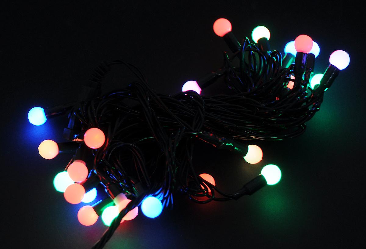Гирлянда электрическая Vegas Шарики, свет: мультиколор, 30 LED ламп, длина 5 м501-313Новогодняя светодиодная гирлянда Vegas Шарикипредназначена для украшения интерьеров и предназначенадля декорирования жилых и торговых помещений (елок,декоративных растений, предметов интерьера, колонн идругих архитектурных элементов). Изделие состоит из 30разноцветных LED ламп. Оригинальный дизайн и красочноеисполнение создадут праздничное настроение.Откройте для себя удивительный мир сказок и грез.Почувствуйте волшебные минуты ожидания праздника,создайте новогоднее настроение вашим дорогим и близким.Напряжение: 220 V. Режим свечения: мигание. Степень защиты: IP 20. Мощность: 1,8 W.Имеет возможность последовательного соединения до 5гирлянд.