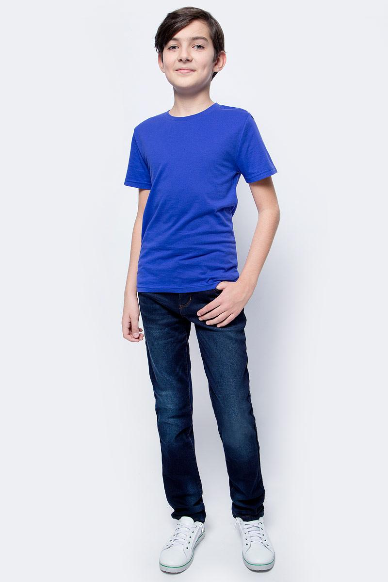 Футболка для мальчика LeadGen, цвет: синий. B913018803-172. Размер 146B913018803-172Футболка для мальчика LeadGen выполнена из натурального хлопкового трикотажа. Модель с короткими рукавами и круглым вырезом горловины спереди оформлена принтом.