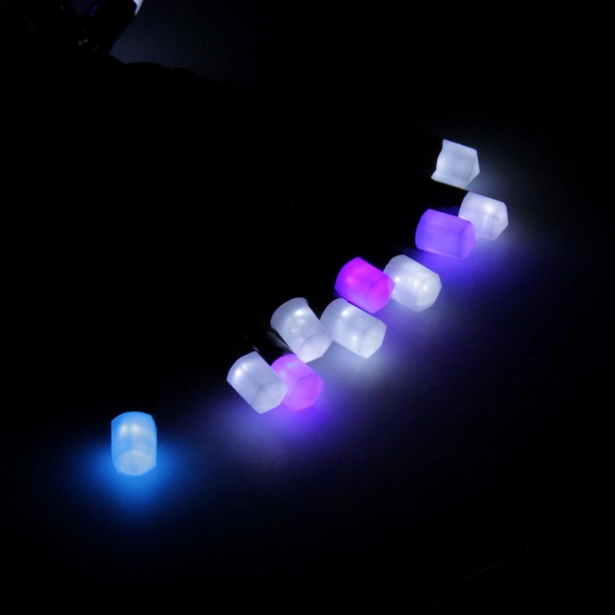 Гирлянда светодиодная Luazon Метраж. Кристаллы, уличная с насадкой, моргает, 40 ламп, 220 V, 5 м, цвет: синий. 185516185516Светодиодные гирлянды, ленты и т.д. — это отличный вариант для новогоднего оформления интерьера или фасада. С их помощью помещение любого размера можно превратить в праздничный зал, а внешние элементы зданий, украшенные ими, мгновенно станут напоминать очертания сказочного дворца. Такие украшения создают ауру предвкушения чуда. Деревья, фасады, витрины, окна и арки будто специально созданы, чтобы вы украсили их светящимися нитями.