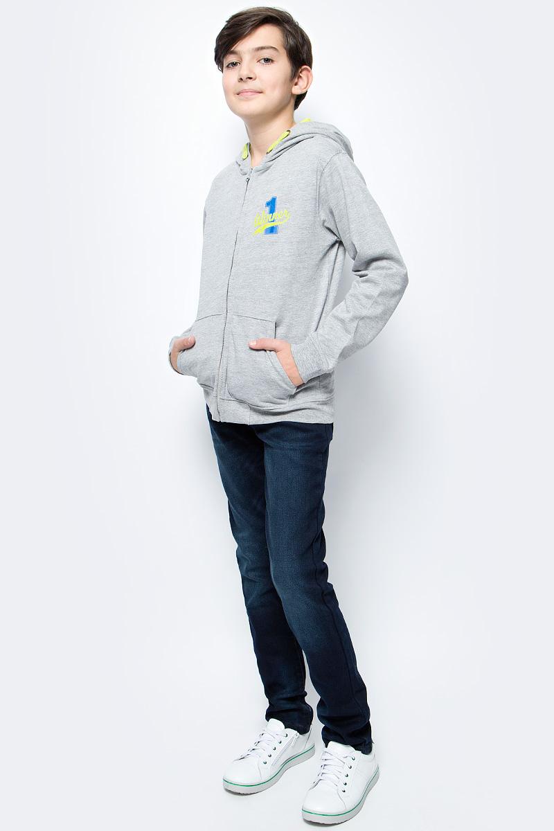 Толстовка для мальчика Sela, цвет: серый. Stc-813/020-7330. Размер 134Stc-813/020-7330Толстовка для мальчика от Sela выполнена из высококачественного хлопкового трикотажа. Модель с длинными рукавами и капюшоном застегивается на молнию, спереди имеются карманы.