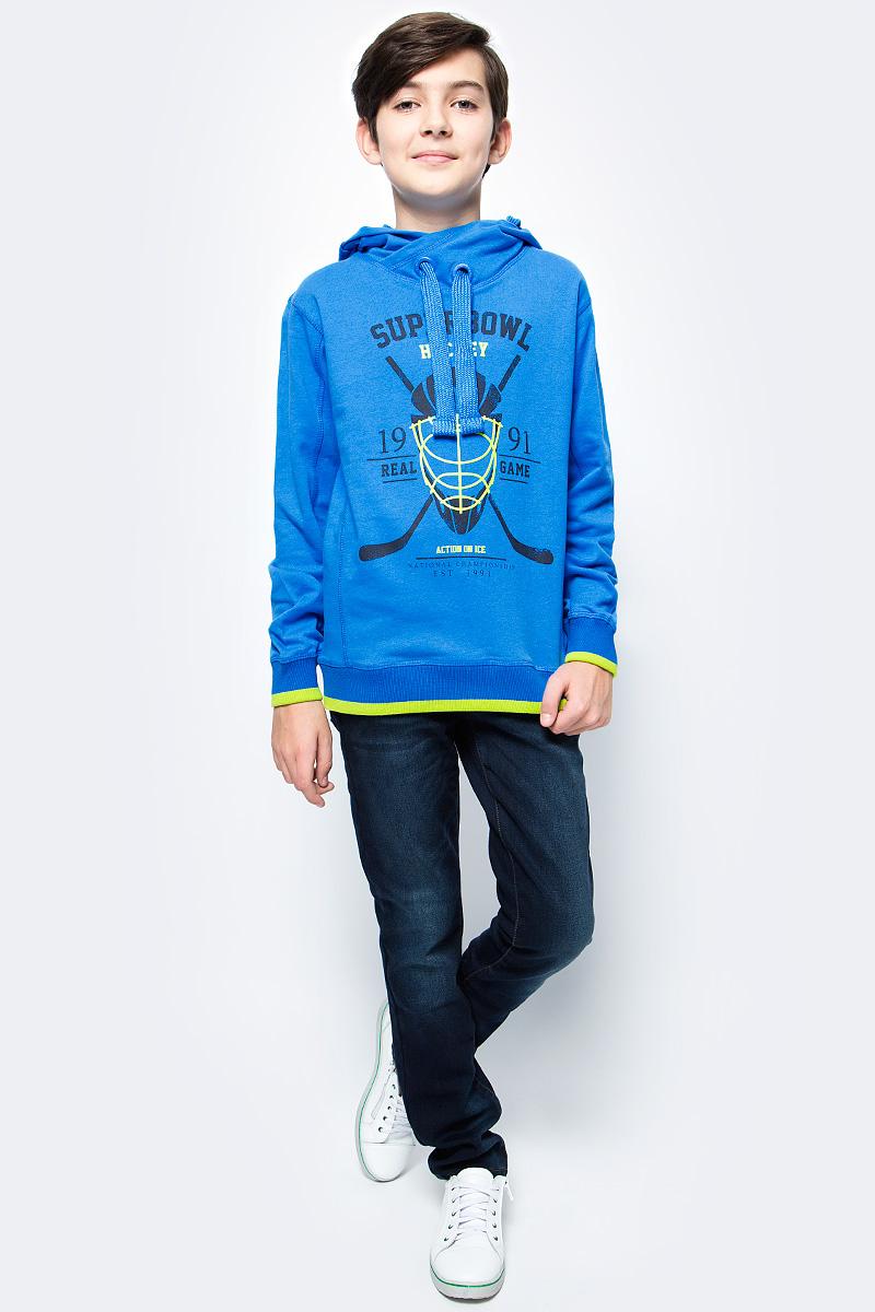 Толстовка для мальчика Sela, цвет: синий. St-813/059-7330. Размер 128St-813/059-7330Толстовка для мальчика от Sela выполнена из высококачественного хлопкового трикотажа. Модель свободного кроя с длинными рукавами и капюшоном со шнурком спереди оформлена принтом.