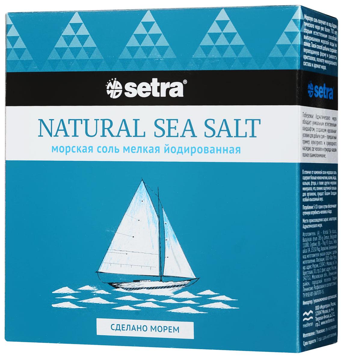 Соль Setra морская мелкая йодированная, 500 г2880Морская соль - соль самого высокого качества. Она образуется выпариванием чистейшей морской воды подвоздействием солнца и ветра. Такой мягкий, естественный способ получения соли способствует сохранению вней всех минералов и микроэлементов, которые придают морской соли своеобразный вкус и аромат.Морская соль, обогащенная йодом, используется в кулинарии, как обычная. Однако она гораздо полезнее дляорганизма, так как богата минеральными веществами.Способствует правильному функционированию щитовидной железы.