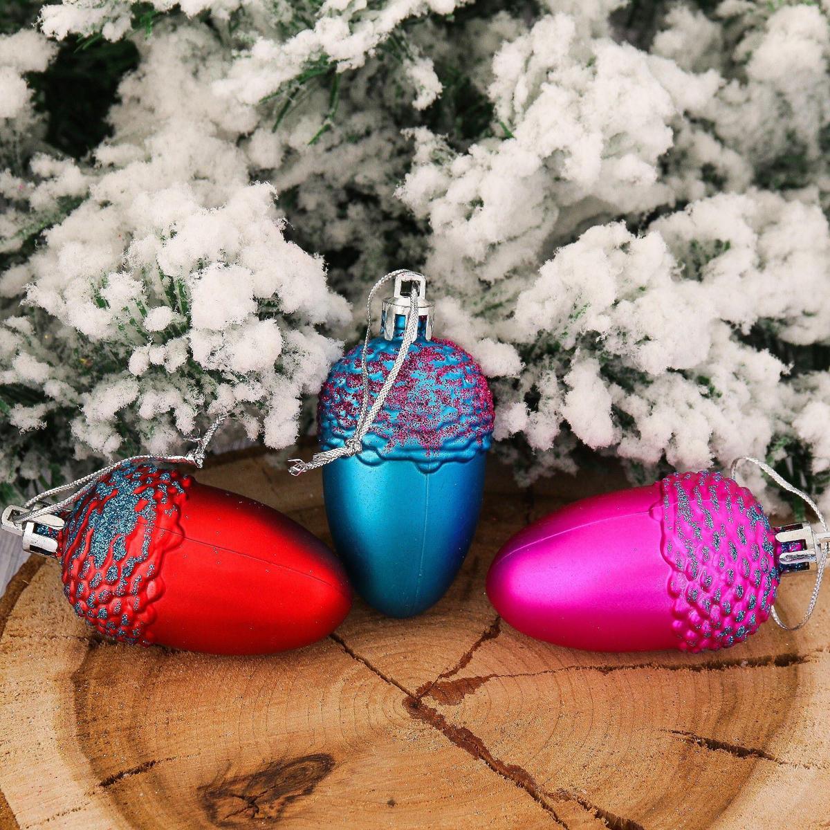 Набор новогодних подвесных украшений Желудь, 6 х 4 см, 6 шт2123067Набор новогодних подвесных украшений отлично подойдет для декорации вашего дома и новогодней ели. С помощью специальной петельки украшение можно повесить в любом понравившемся вам месте. Но, конечно, удачнее всего оно будет смотреться на праздничной елке.Елочная игрушка - символ Нового года. Она несет в себе волшебство и красоту праздника. Такое украшение создаст в вашем доме атмосферу праздника, веселья и радости.