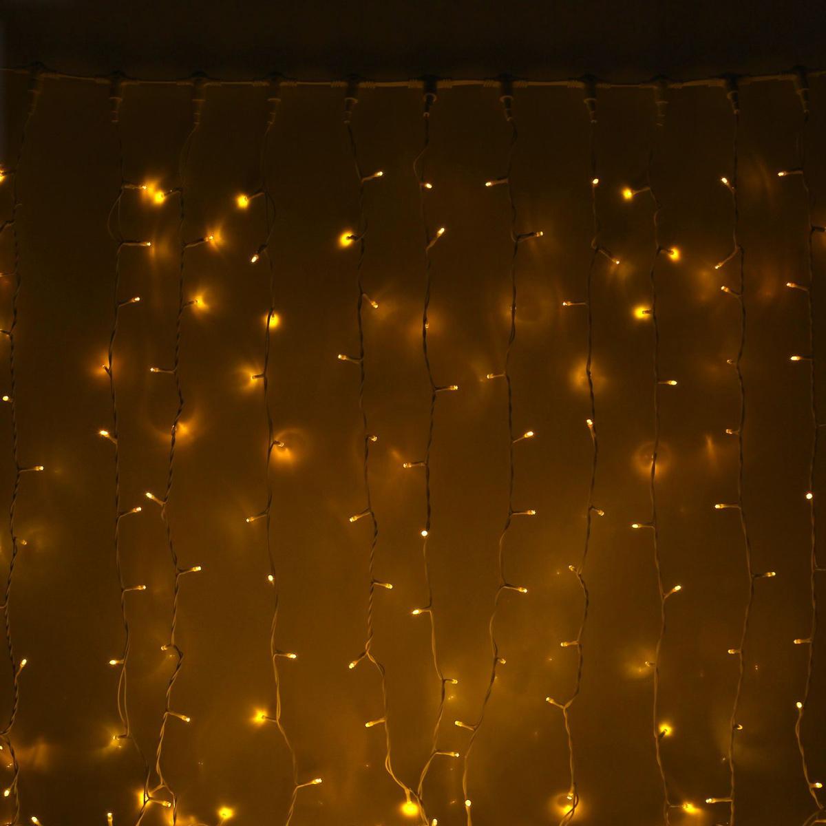 Гирлянда светодиодная Luazon Занавес, цвет: желтый, уличная, 1440 ламп, 220 V, 2 х 6 м. 10802701080270Светодиодные гирлянды и ленты — это отличный вариант для новогоднего оформления интерьера или фасада. С их помощью помещение любого размера можно превратить в праздничный зал, а внешние элементы зданий, украшенные ими, мгновенно станут напоминать очертания сказочного дворца. Такие украшения создают ауру предвкушения чуда. Деревья, фасады, витрины, окна и арки будто специально созданы, чтобы вы украсили их светящимися нитями.