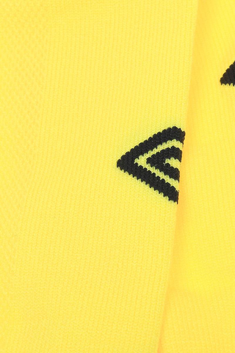 Гетры футбольные детские. Особая вывязка на задней части гетр способствует выведению влаги. Эргономичная кострукция носка.