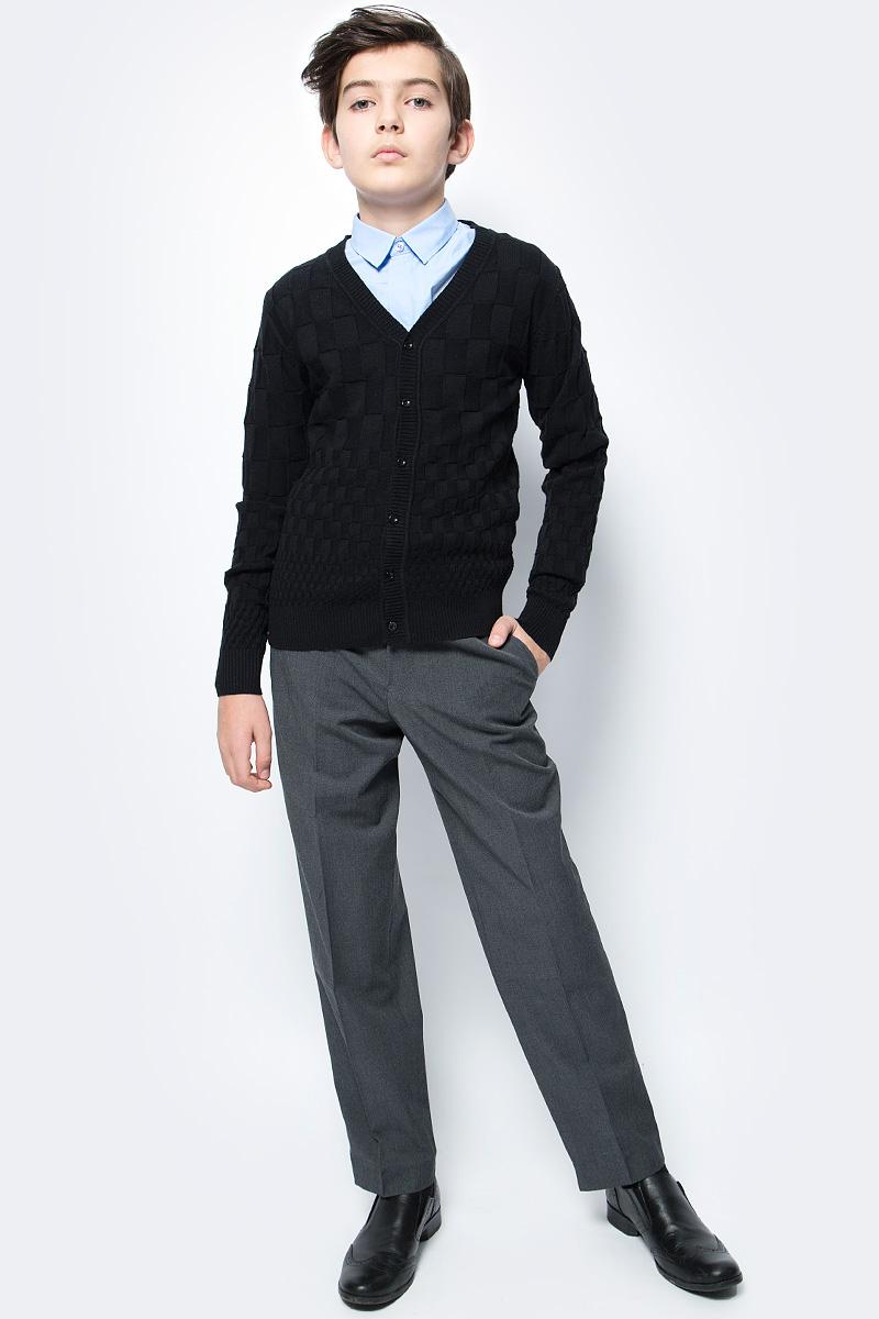 Кардиган для мальчика Vitacci, цвет: черный. 1173008-03. Размер 1461173008-03Кардиган для мальчика выполнен из натурального хлопка. Модель с длинными рукавами застегивается на пуговицы.