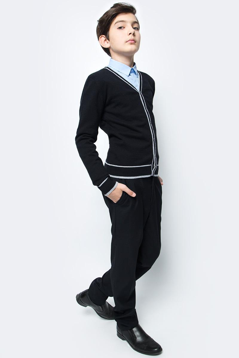 Кардиган для мальчика Vitacci, цвет: черный. 1173005-03. Размер 1581173005-03Кардиган для мальчика выполнен из 100% хлопка. Модель с длинными рукавами застегивается на пуговицы.