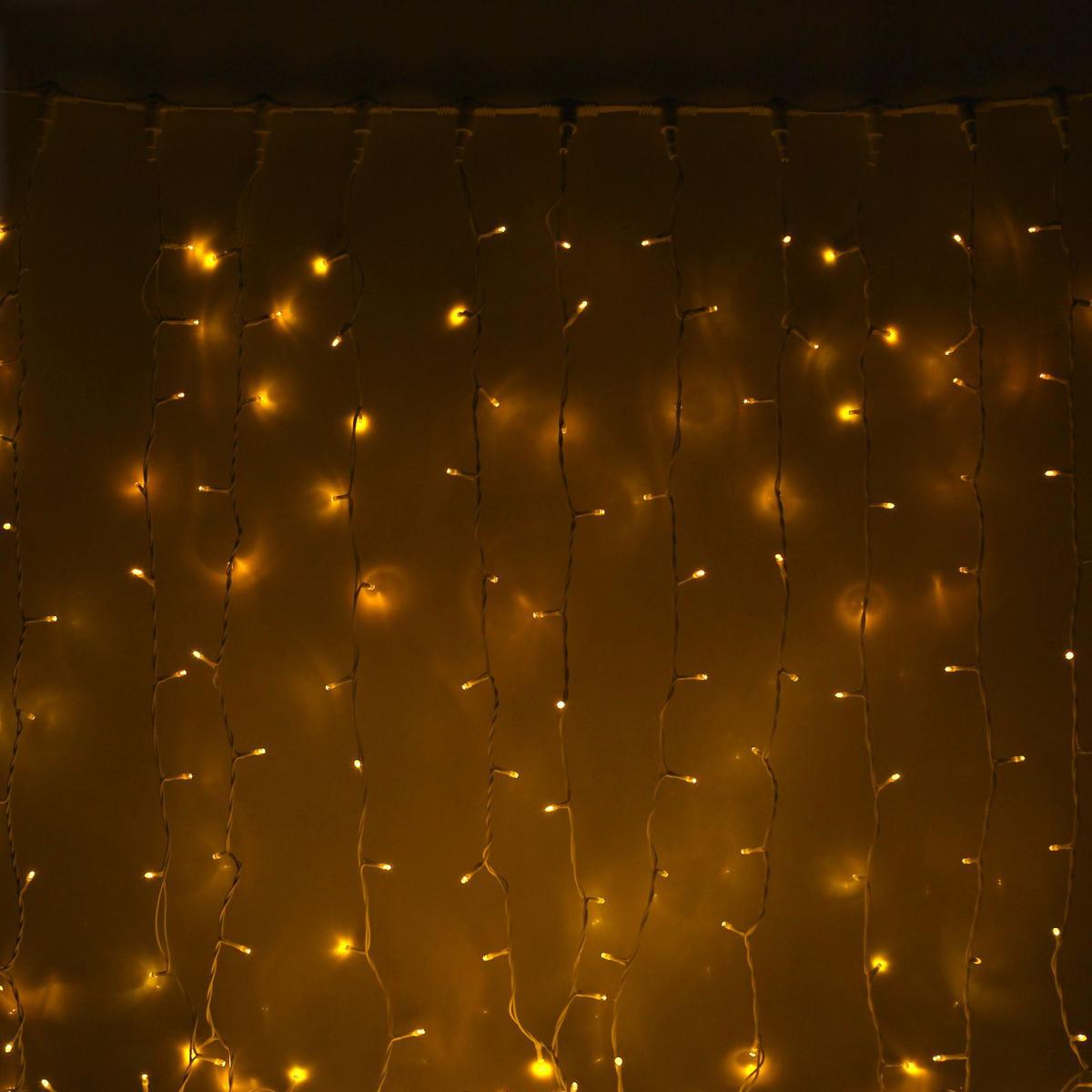 Гирлянда светодиодная Luazon Занавес, цвет: желтый, уличная, 760 ламп, 220 V, 2 х 3 м. 10802141080214Светодиодные гирлянды и ленты — это отличный вариант для новогоднего оформления интерьера или фасада. С их помощью помещение любого размера можно превратить в праздничный зал, а внешние элементы зданий, украшенные ими, мгновенно станут напоминать очертания сказочного дворца. Такие украшения создают ауру предвкушения чуда. Деревья, фасады, витрины, окна и арки будто специально созданы, чтобы вы украсили их светящимися нитями.