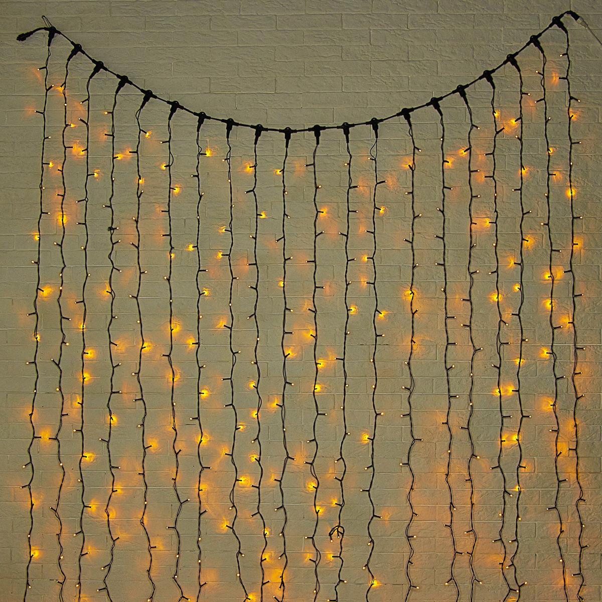 Гирлянда светодиодная Luazon Занавес, цвет: желтый, уличная, 760 ламп, 220 V, 2 х 3 м. 10802471080247Светодиодные гирлянды и ленты — это отличный вариант для новогоднего оформления интерьера или фасада. С их помощью помещение любого размера можно превратить в праздничный зал, а внешние элементы зданий, украшенные ими, мгновенно станут напоминать очертания сказочного дворца. Такие украшения создают ауру предвкушения чуда. Деревья, фасады, витрины, окна и арки будто специально созданы, чтобы вы украсили их светящимися нитями.
