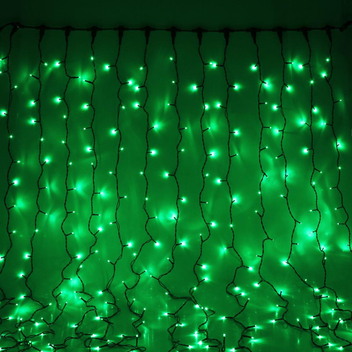 Гирлянда светодиодная Luazon Занавес, цвет: зеленый, уличная, 760 ламп, 220 V, 2 х 3 м. 10802461080246Светодиодные гирлянды и ленты — это отличный вариант для новогоднего оформления интерьера или фасада. С их помощью помещение любого размера можно превратить в праздничный зал, а внешние элементы зданий, украшенные ими, мгновенно станут напоминать очертания сказочного дворца. Такие украшения создают ауру предвкушения чуда. Деревья, фасады, витрины, окна и арки будто специально созданы, чтобы вы украсили их светящимися нитями.