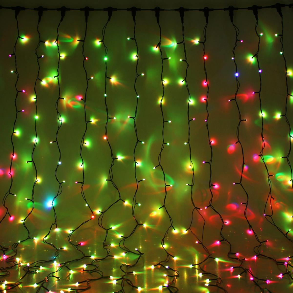 Гирлянда светодиодная Luazon Занавес, цвет: мультиколор, уличная, 760 ламп, 220 V, 2 х 3 м. 10802401080313Гирлянда светодиодная Luazon Занавес - это отличный вариант для новогоднего оформления интерьера или фасада. С ее помощью помещение любого размера можно превратить в праздничный зал, а внешние элементы зданий, украшенные гирляндой, мгновенно станут напоминать очертания сказочного дворца. Такое украшение создаст ауру предвкушения чуда. Деревья, фасады, витрины, окна и арки будто специально созданы, чтобы вы украсили их светящимися нитями.