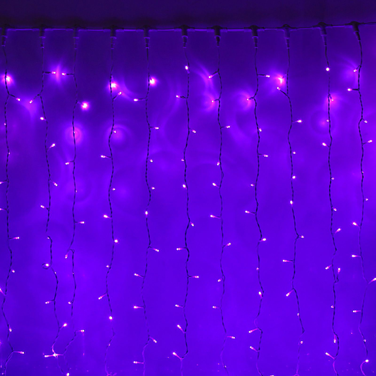 Гирлянда светодиодная Luazon Занавес, цвет: фиолетовый, уличная, 760 ламп, 220 V, 2 х 3 м. 10802151080215Гирлянда светодиодная Luazon Занавес - это отличный вариант для новогоднего оформления интерьера или фасада. С ее помощью помещение любого размера можно превратить в праздничный зал, а внешние элементы зданий, украшенные гирляндой, мгновенно станут напоминать очертания сказочного дворца. Такое украшение создаст ауру предвкушения чуда. Деревья, фасады, витрины, окна и арки будто специально созданы, чтобы вы украсили их светящимися нитями.