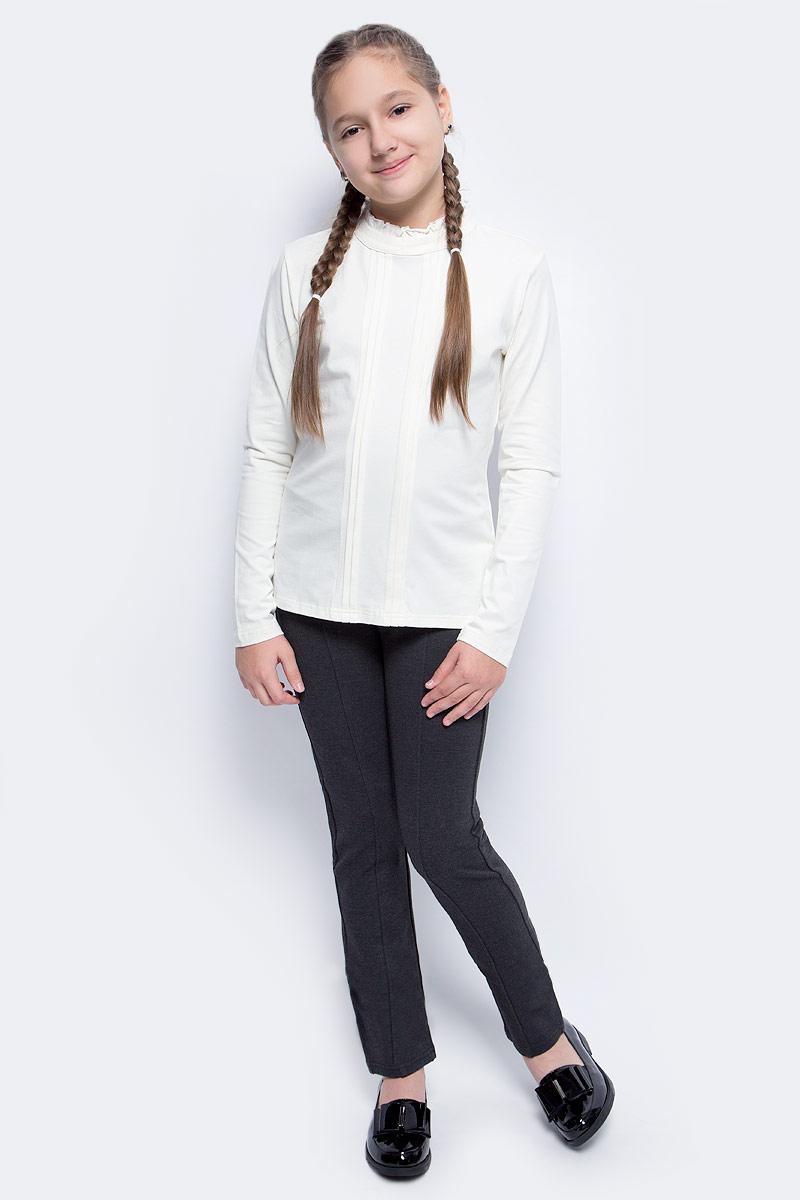 Блузка для девочки Vitacci, цвет: слоновая кость. 2173056L-25. Размер 1402173056L-25Классическая школьная блузка для девочки выполнена из хлопка и спандекса. Модель с воротником стойкой и длинными рукавами.