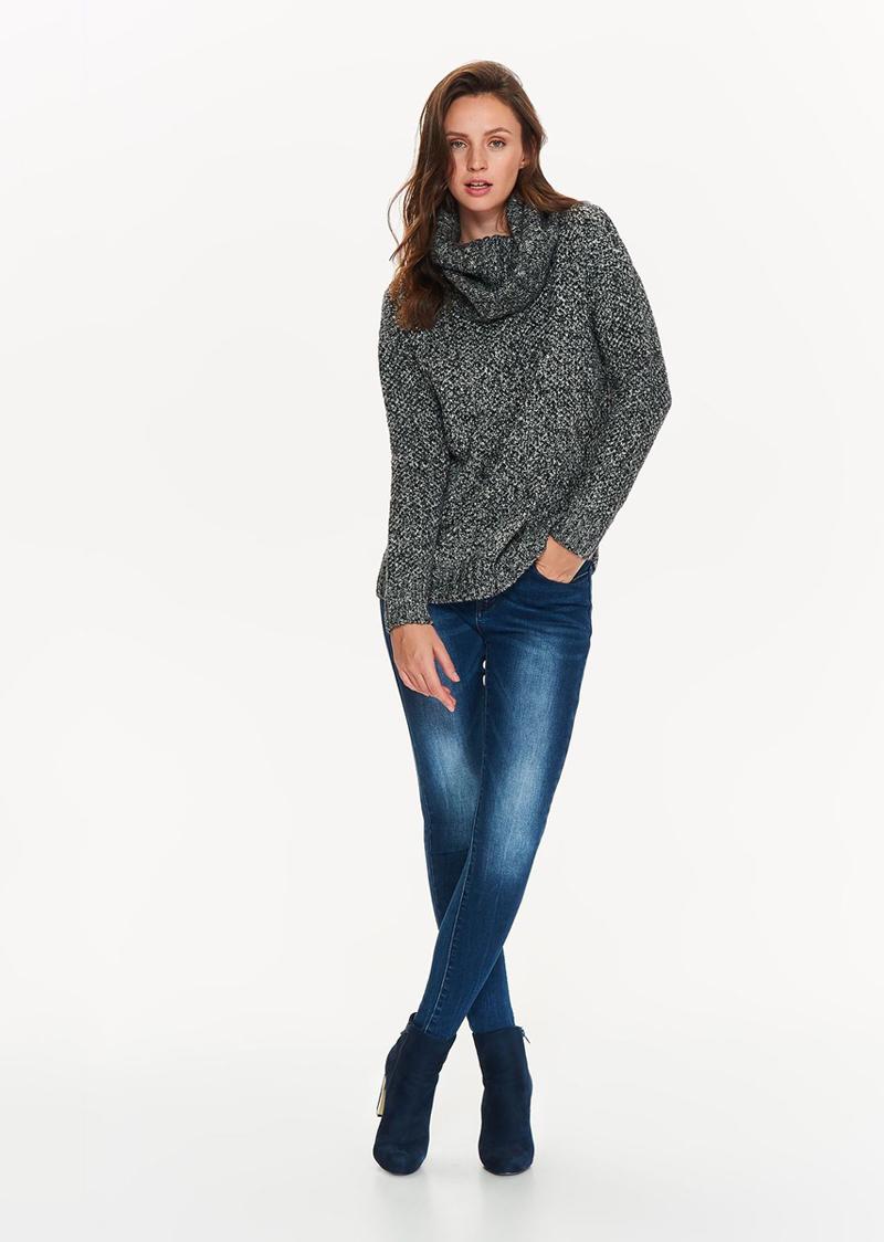 Водолазка женская Top Secret, цвет: серый. SGO0113SZ. Размер 42 (50)SGO0113SZМодный женский свитер Top Secret, изготовленный из полиэстера, мягкий и приятный на ощупь, не сковывает движений и обеспечивает комфорт.Модель с воротником-гольф и длинными рукавами оформлена оригинальным вязаным узором. Манжеты рукавов связаны резинкой. Идеально подходит для холодных дней.