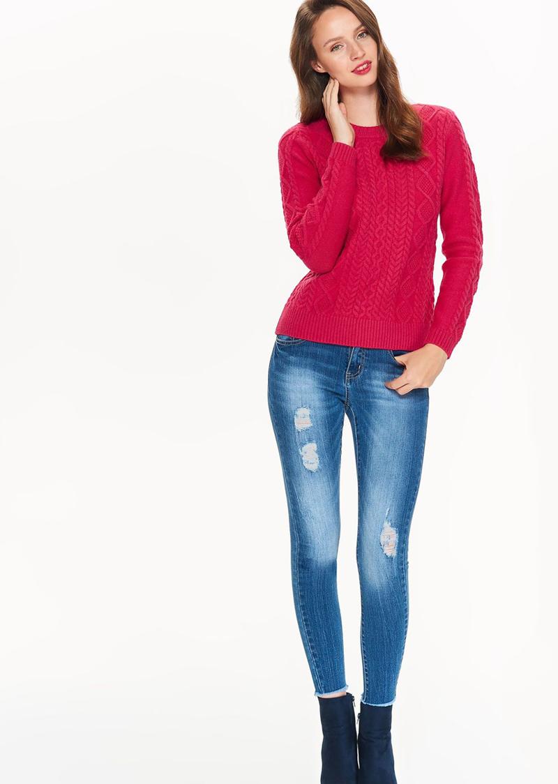 Свитер женский Top Secret, цвет: розовый. SSW2238RO. Размер 42 (50)SSW2238ROМягкий и стильный свитер Top Secret изготовленный из качественного материала, мягкий и приятный на ощупь, не сковывает движений и обеспечивает комфорт. Модель с круглым вырезом горловины оформлена оригинальным вязаным узором. Идеальный вариант на каждый день.