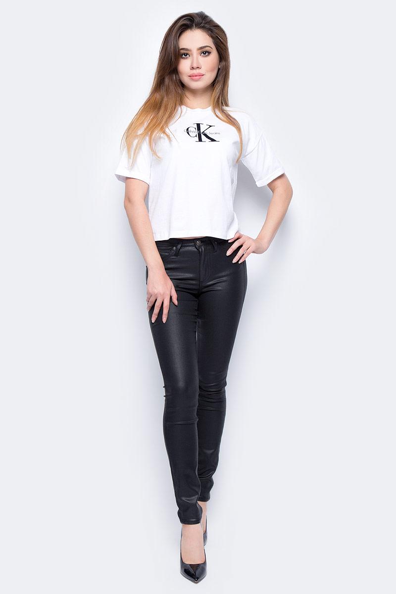 Футболка женская Calvin Klein Jeans, цвет: белый. J20J206120_1120. Размер S (42/44)J20J206120_1120Футболка женская Calvin Klein Jeans выполнена из натурального хлопка. Модель с круглым вырезом горловины и короткими рукавами.