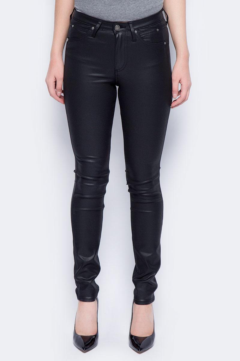 Брюки женские Calvin Klein Jeans, цвет: черный. J20J206138_9173. Размер 25-32 (36/38-32)J20J206138_9173Стильные женские брюки Calvin Klein Jeans, изготовленные из качественного материала, созданы для модных и ярких девушек.Модель с ширинкой на молнии дополнительно застегивается на пуговицу. Брюки дополнены двумя прорезными карманами и скрытым кармашком спереди и двумя накладными карманами сзади. На поясе имеются шлевки для ремня.В этих модных брюках вы будете чувствовать себя уверенно, оставаясь в центре внимания.