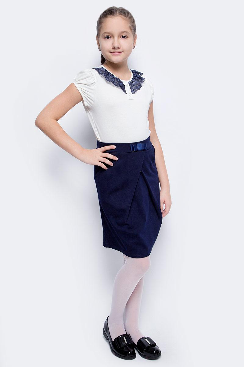 Блузка для девочки Nota Bene, цвет: молочный. CJR27032A17. Размер 140CJR27032B17Блузка для девочки Nota Bene выполнена из хлопкового трикотажа с кружевной отделкой. Модель с короткими рукавами и круглым вырезом горловины.