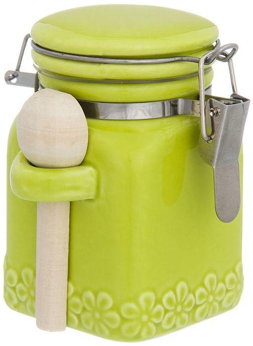 Баночка для специй Elan Gallery С цветами, цвет: салатовый, с зажимом и ложкой, 160 мл110955Баночка для специй - удобный предмет для хранения приправ в оригинальном исполнении. Дополнит облик вашей кухни и прекрасно впишется в интерьер. Станет отличным подарком для любой хозяйки. Объем 160 мл.
