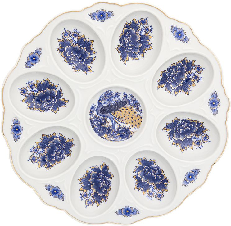 Тарелка для фаршированных яиц Elan Gallery Павлин синий, 20 х 20 х 2 смРП-3219Тарелка для фаршированных яиц Павлин синий украсит ваш праздничный стол. На изделии имеются специальные углубления для 8 яиц.Такая тарелка украсит сервировку вашего стола и подчеркнет прекрасный вкус хозяйки. Изделие упаковано в подарочную коробку, поэтому станет желанным подарком для ваших близких!