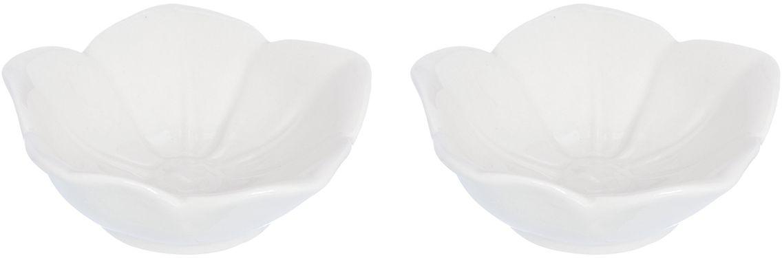 Розетка для варенья Elan Gallery Распустившийся цветок, цвет: белый, 10,5 х 10,5 х 3 см, 2 шт380061Красивые и вместительные розетки Elan Gallery из коллекции Распустившийся цветок для варенья подходят не только для сладких лакомств. Их можно использовать для орехов, оливок, каперсов, корнишонов и соусов. Выполнены из керамики.У вас намечается праздник, придет много гостей и надо сервировать большой стол - розетки идеальное дополнение для сервировки.Изделие имеет подарочную упаковку, идеальный подарок для ваших близких!