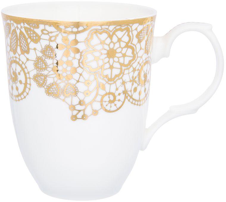 Кружка Elan Gallery Золотое кружево, 400 мл504177Оригинальная кружка Золотое кружево подойдет для чая, кофе и других напитков. Удобна в использовании благодаря устойчивой форме. Изделие имеет подарочную упаковку.