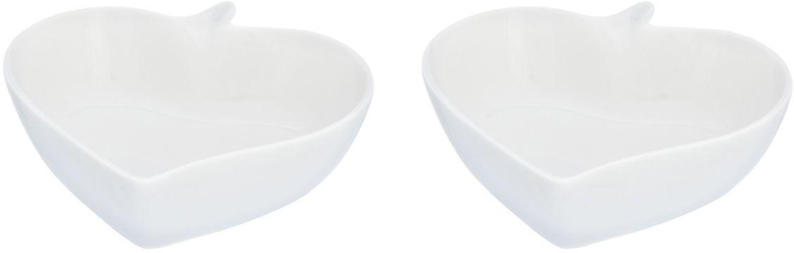 """Блюдо сервировочное """"Листок сердце"""" выполнено из высококачественного фарфора и состоит из двух предметов. Объем каждого блюда 150 мл. Блюдо  прекрасно подходит для сервировки орешков, закусок, оливок, сладостей и благодаря необычному дизайну украсит любой стол. Блюда можно использовать парой и по отдельности.  Блюдо сервировочное Elan Gallery """"Листок сердце"""" несомненно впишется в любой интерьер благодаря лаконичному дизайну, натуральным материалам и высокой функциональности. Такому подарку будет рада любая хозяйка!"""
