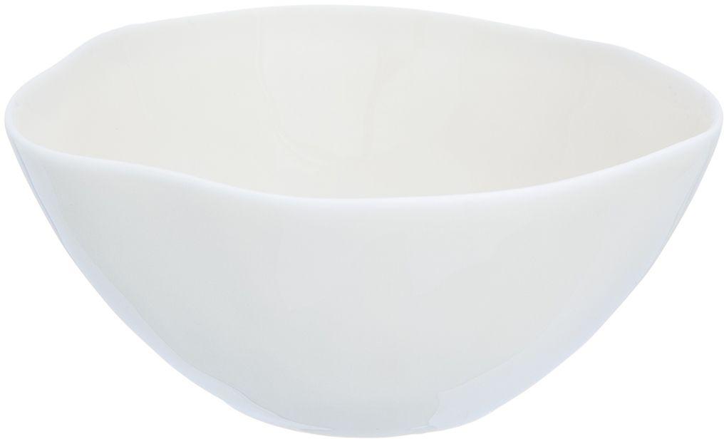 Салатник Elan Gallery Бежевый, 14 х 14 х 6 см760039Салатник Elan Gallery, изготовленный из высококачественного фарфора, оригинально украсит ваш стол или кухню. Прекрасно подойдет для подачи различных блюд: закусок и салатов. Также может использоваться в качестве фруктовницы и конфетницы.Такой салатник украсит ваш праздничный или обеденный стол, а оригинальное исполнение понравится любой хозяйке.Не рекомендуется применять абразивные моющие средства. Не использовать в микроволновой печи.