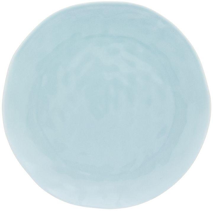 Тарелка для закусок из серии «Мятная» диаметром 21,5 см выполнена из  высококачественного фарфора по особой технологии обжига, при которой цвет  долго не тускнеет. Современный необычный дизайн — вся посуда этой серии  выполнена в особой технике «мятой бумаги», в производстве которой  используется только высококачественный костяной материал. Тарелка изящная и  легкая, а лаконичность и нежное цветовое решение сделают любой обычный ужин  уникальным. В ассортименте серии также представлены столовые тарелки  большего диаметра, салатники, кружки,  чайные пары, чайники и сахарницы еще в  двух расцветках  - «Морозное небо» и «Бежевая», которые прекрасно смотрятся  как одной серией, так и миксом, так как все цвета прекрасно сочетаются друг с  другом.