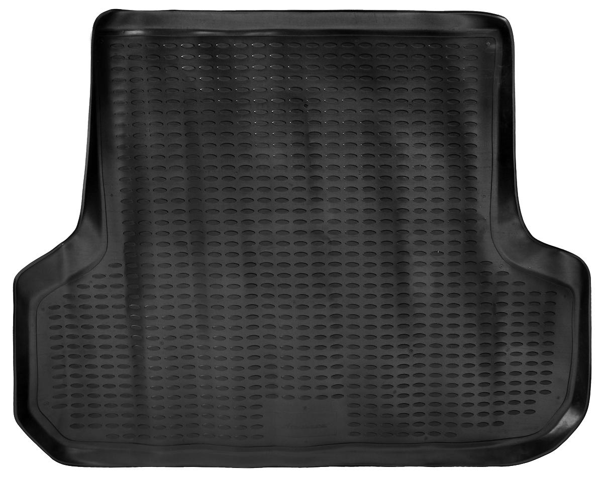 Коврик автомобильный Novline-Autofamily для Mitsubishi Pajero Sport внедорожник 1997-2008, в багажник, цвет: черныйNLC.35.07.B13Автомобильный коврик Novline-Autofamily, изготовленный из полиуретана, позволит вам без особых усилий содержать в чистоте багажный отсек вашего авто и при этом перевозить в нем абсолютно любые грузы. Этот модельный коврик идеально подойдет по размерам багажнику вашего автомобиля. Такой автомобильный коврик гарантированно защитит багажник от грязи, мусора и пыли, которые постоянно скапливаются в этом отсеке. А кроме того, поддон не пропускает влагу. Все это надолго убережет важную часть кузова от износа. Коврик в багажнике сильно упростит для вас уборку. Согласитесь, гораздо проще достать и почистить один коврик, нежели весь багажный отсек. Тем более, что поддон достаточно просто вынимается и вставляется обратно. Мыть коврик для багажника из полиуретана можно любыми чистящими средствами или просто водой. При этом много времени у вас уборка не отнимет, ведь полиуретан устойчив к загрязнениям.Если вам приходится перевозить в багажнике тяжелые грузы, за сохранность коврика можете не беспокоиться. Он сделан из прочного материала, который не деформируется при механических нагрузках и устойчив даже к экстремальным температурам. А кроме того, коврик для багажника надежно фиксируется и не сдвигается во время поездки, что является дополнительной гарантией сохранности вашего багажа.Коврик имеет форму и размеры, соответствующие модели данного автомобиля.