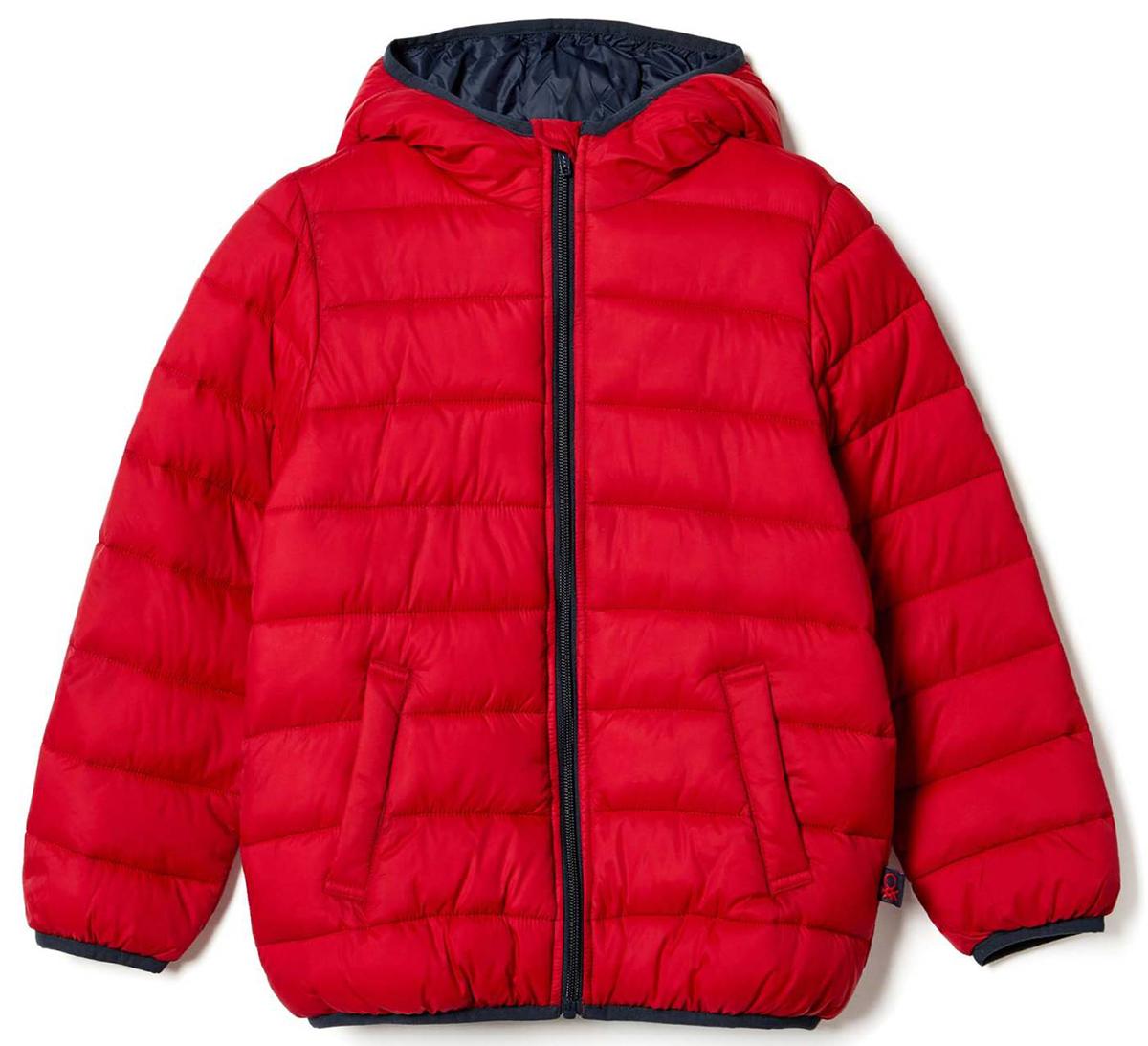 Куртка для мальчика United Colors of Benetton, цвет: красный. 2BA253AD0_07C. Размер 1502BA253AD0_07CКуртка для мальчика United Colors of Benetton выполнена из полиамида. Модель с капюшоном и длинными рукавами застегивается на застежку-молнию.