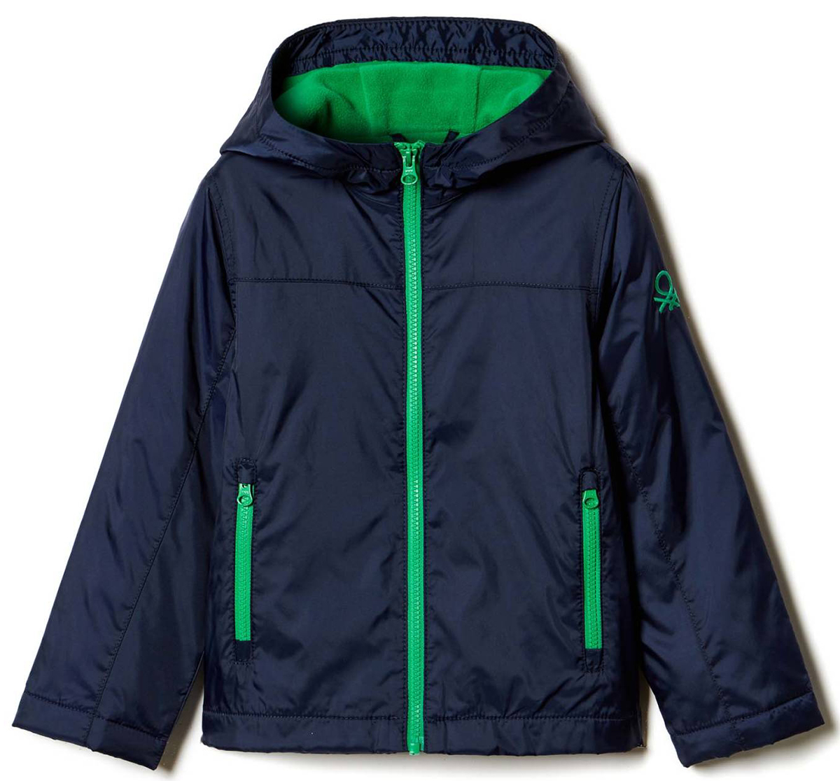 Куртка для мальчика United Colors of Benetton, цвет: синий. 2BL553AC0_13C. Размер 1302BL553AC0_13CКуртка для мальчика United Colors of Benetton выполнена из полиамида. Модель с капюшоном и длинными рукавами застегивается на застежку-молнию.