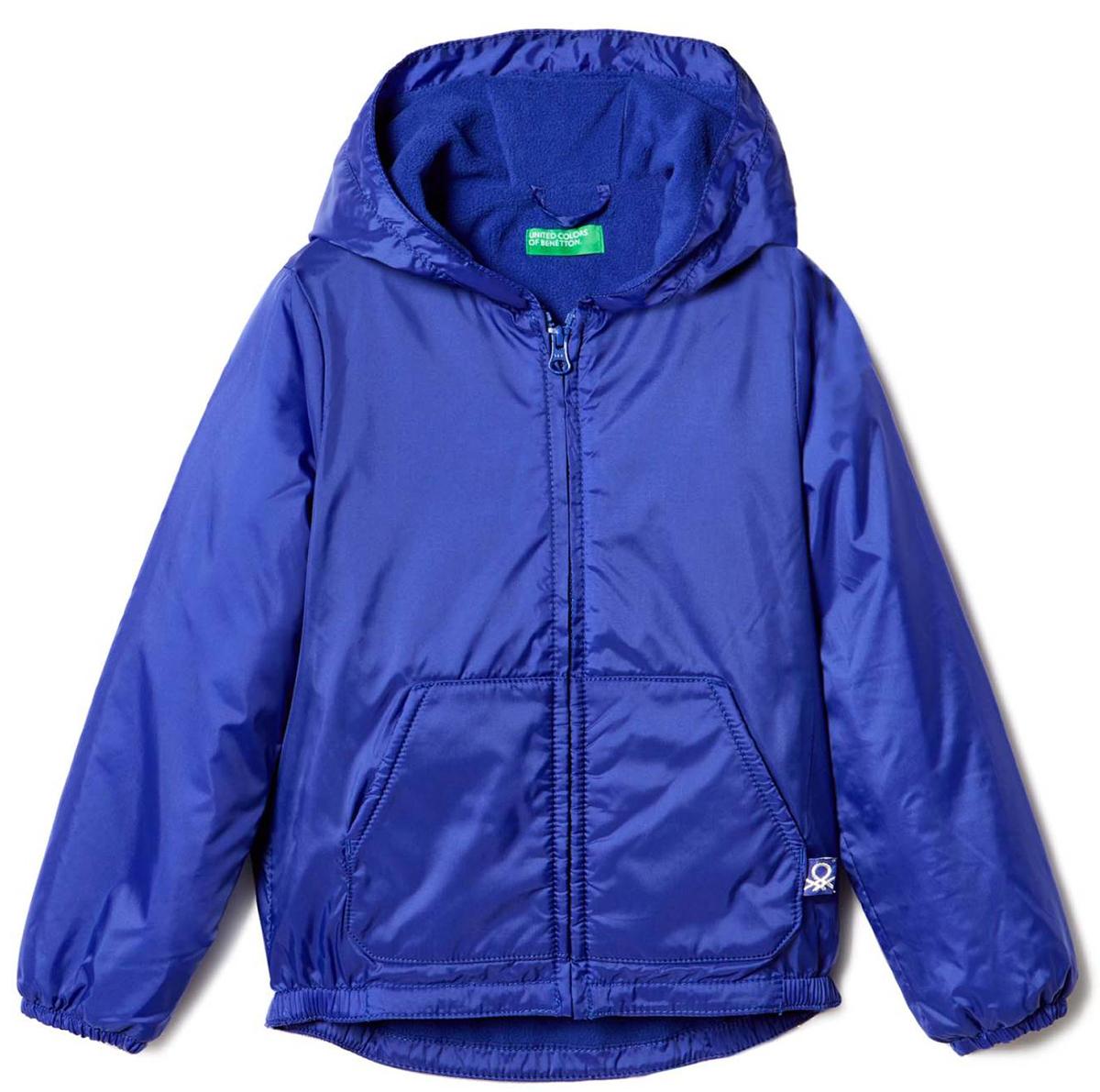 Куртка для девочки United Colors of Benetton, цвет: синий. 2BL553AS0_13C. Размер 1502BL553AS0_13CКуртка для девочки United Colors of Benetton выполнена из полиамида. Модель с капюшоном застегивается на застежку-молнию.