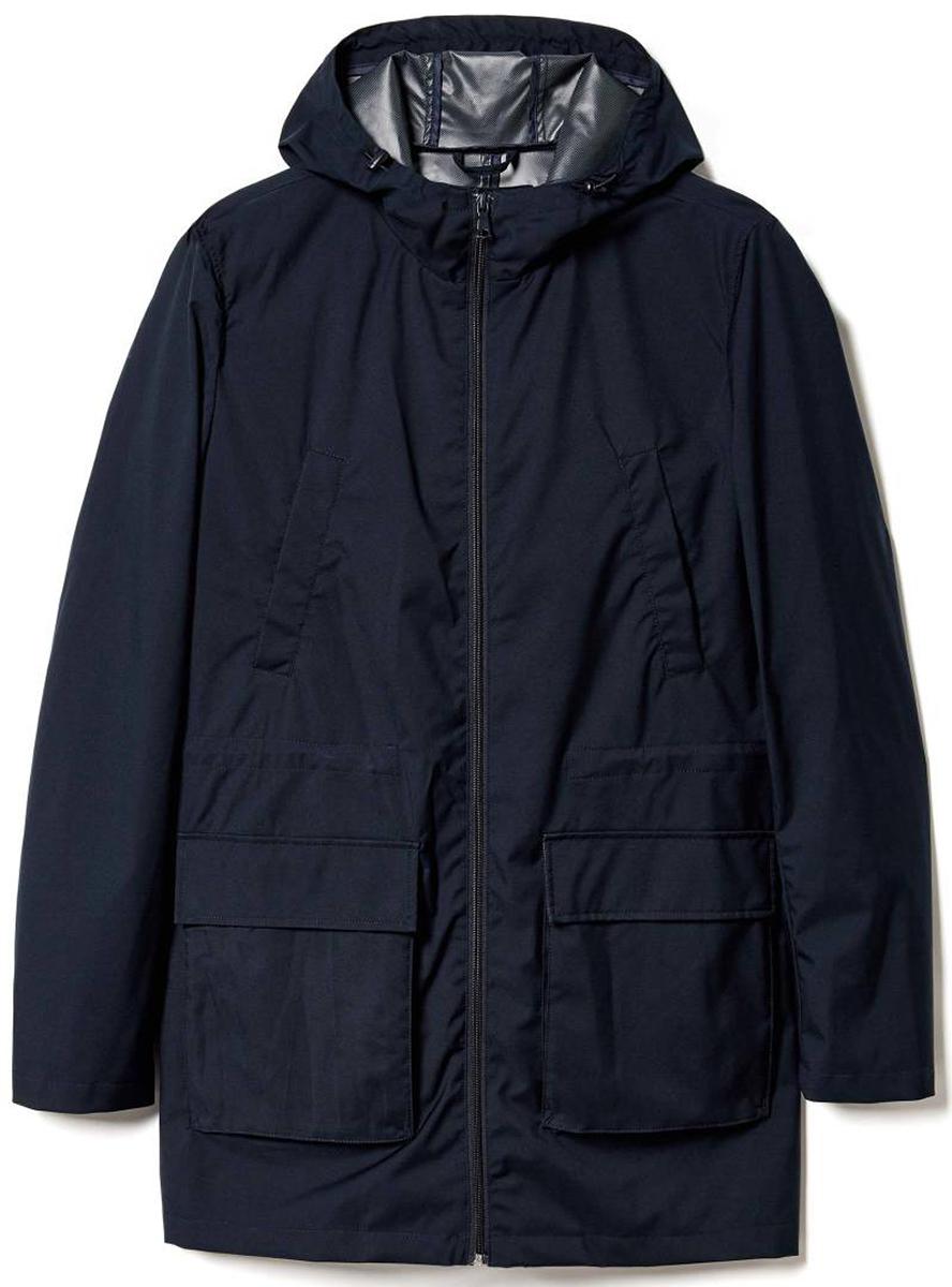 Куртка мужская United Colors of Benetton, цвет: синий. 2DF9539E8_06U. Размер 522DF9539E8_06UКуртка мужская United Colors of Benetton выполнена из качественного материала. Модель с длинными рукавами и капюшоном.